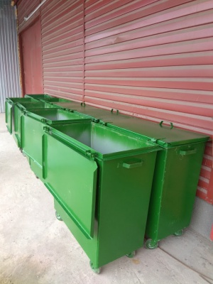 Контейнер металлический для сбора ТБО в камерах мусоропровода.